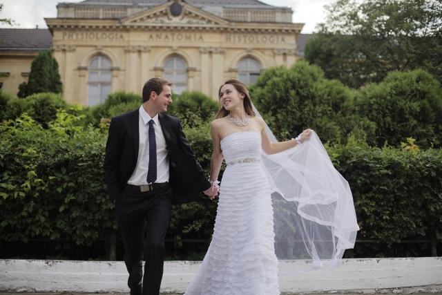 結婚する方法半年相手がいない早く結婚する女男の性格貯金手続き1年