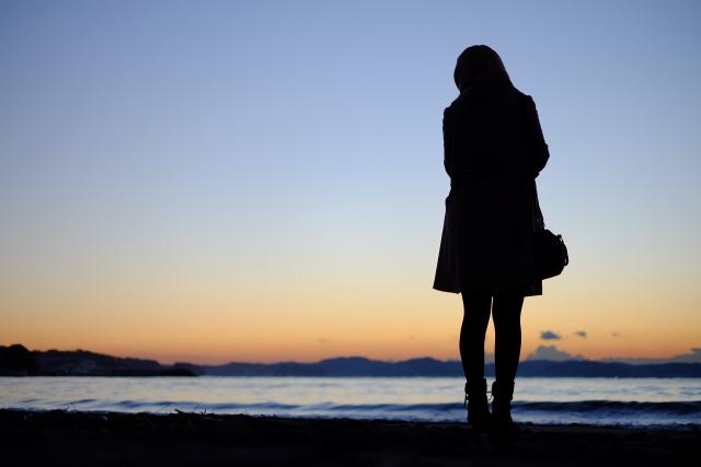 結婚孤独後悔寂しい新婚主婦結婚して子供いるのに一人ぼっち夫婦離婚