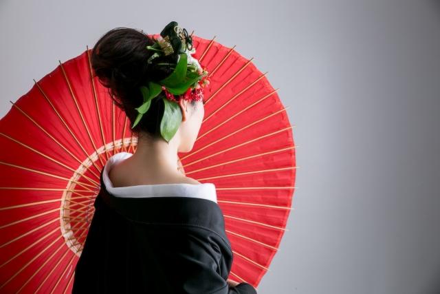 和装結婚式流れレンタル費用髪型種類男性和装写真お色直し色打掛とは
