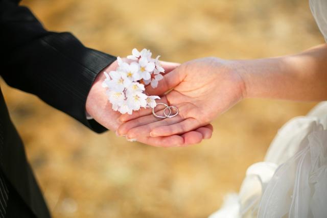 結婚お花祝いの花マナー種類花言葉プリザーブドおしゃれバルーン電報